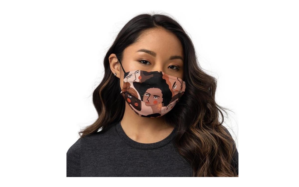 Maskne: Νίκησε την ακμή που δημιουργείται από τις μάσκες προστασίας